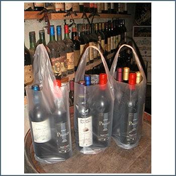 bolsas para botellas de vino en bodega